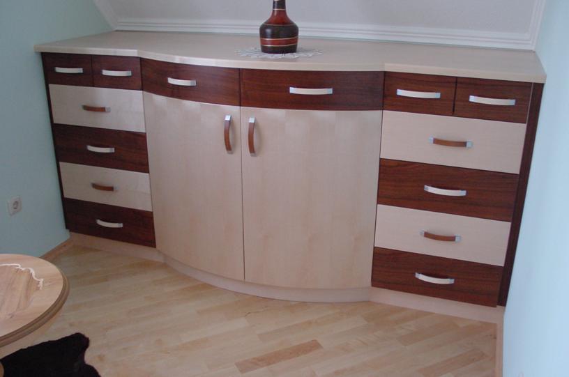 wohnraum schr nke kommoden sitzecken und bauernstuben aus massivholz von tischlerei po nitz. Black Bedroom Furniture Sets. Home Design Ideas